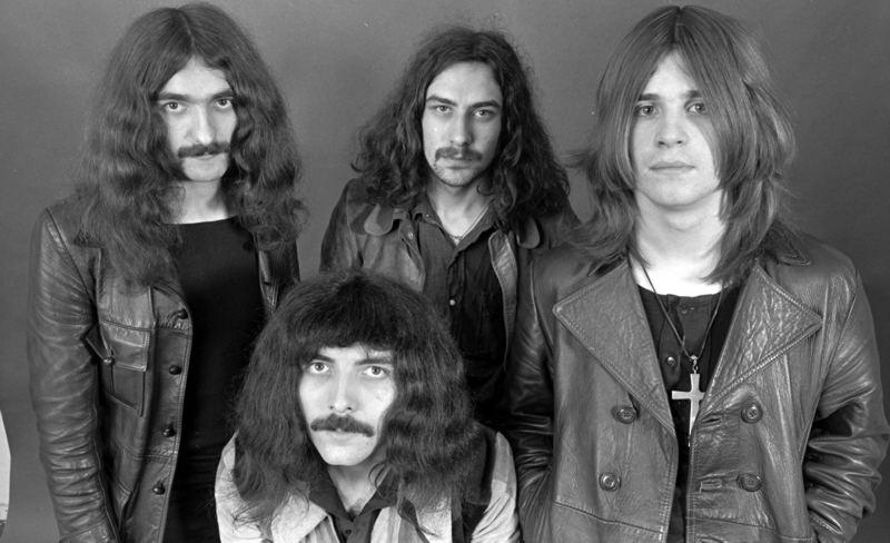 Black Sabbath: Paranoid (testo canzone)