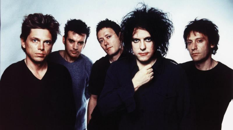 The Cure: Lullaby  (testo canzone)